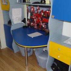 Set mobila copii - Birou copii incastrat in dulapuri albastru cu galben