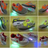 Adidasi copii - Adidasi Nike cu Luminite Pentru COpii Masuri de la 20 la 30