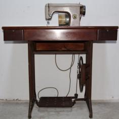 Masina de cusut electrica Ileana UMC Cugir, perfect functionala