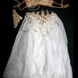 Costum dans oriental