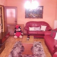 Apartament de vanzare, 3 camere, Etajul 3, An constructie: 1988, Suprafata: 70 - Apartament deosebit cu garaj inclus