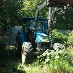 Tractor New Holand TL 80 - Utilitare auto