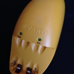 Incarcator acumulatori, baterii VARTA Model 57062 - Incarcator Aparat Foto