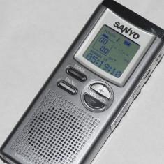 Reportofon Digital Sanyo - MP3 player Alta, Sub 1 GB, Gri, Display