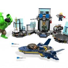 Hulk's™ Helicarrier Breakout (6868) - Boxeri barbati