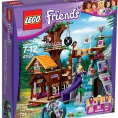 LEGO® LEGO® Friends Tabara de aventuri: Casuta din copac 41122