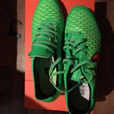 Ghete fotbal Nike teren sintetic