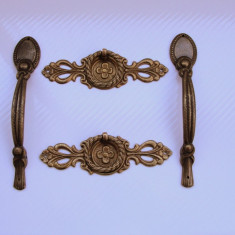TRAGATOARE PENTRU USI SI SERTARE IN STILUL BAROC - Metal/Fonta, Ornamentale
