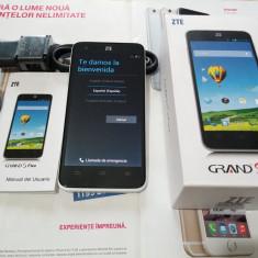 Telefon mobil ZTE, Alb, 16GB, Neblocat, Dual core, 1 GB - ZTE Grand S Flex 16 GB impecabil