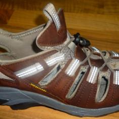 Sandale KEEN cred 39 talpic 24, 5 cm trekking munte transport inclus - Incaltaminte outdoor