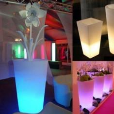 Decoratiune cu LED model Ghiveci pentru Flori