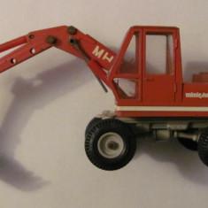 PVM - Macheta veche metal excavator O&K MH 4 miniphon cu unele lipsuri - Macheta auto, 1:50