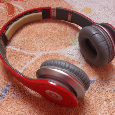 Casti Beats SOLO HD Monster Beats by Dr. Dre ( lipsa partea de acoperire a capului )- perfect functionale
