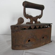 Metal/Fonta - VECHI FIER DE CALCAT CU CARBUNI