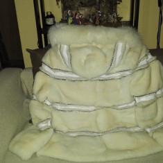 Palton dama - Vand haina de blana de nurca alba
