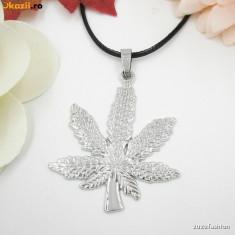 Pandantiv fashion - Pandantiv Medalion Marijuana Jamaica Rasta