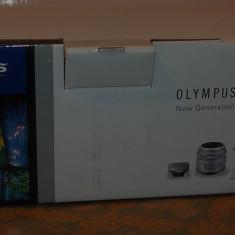 Olympus E-PM1 argintiu kit + obiectiv 1442mm II R - Aparat Foto Mirrorless Olympus, Kit (cu obiectiv), 12 Mpx