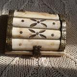 Casetă de bijuterii