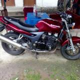 Motocicleta Kawasaki - Kawasaki ZR7