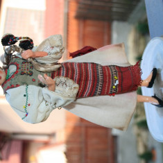 Vand 3 papusi costum national ARADEANCA -vintage - Papusa de colectie