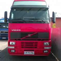 Cap tractor Volvo - Camion