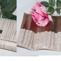 Borseta portfard cosmetice, compartimentata, se inchide cu magnet - Geanta cosmetice Fraulein38