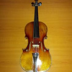 Vand vioara Stradivarius Faciebat anno 17
