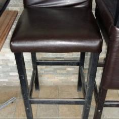 Scaune de bar, tapitate - Mobila pentru baruri si cluburi