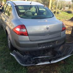 Renault Megane 2004, 1, 6 benzina, avariat, 293000 km, 1598 cmc