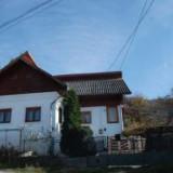 Teren 4100 mp si casa 108.99 mp, Campulung, Arges - Casa de vanzare, Numar camere: 4
