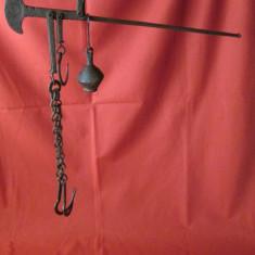 Balanta veche de macelar, balanta veche din fier cu carlige cantar vechi sec XIX - Metal/Fonta