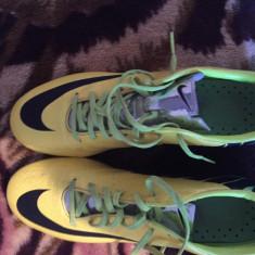 Ghete de fotbal Nike Mercurial profesionale - Ghete fotbal Nike, Marime: 40, Culoare: Galben
